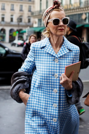 sartorialist_women-in-prada-coat