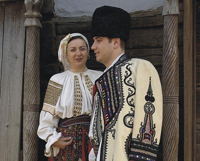 povestile-costumului-popular-romanesc-sunt-spuse-la-roma-18485650