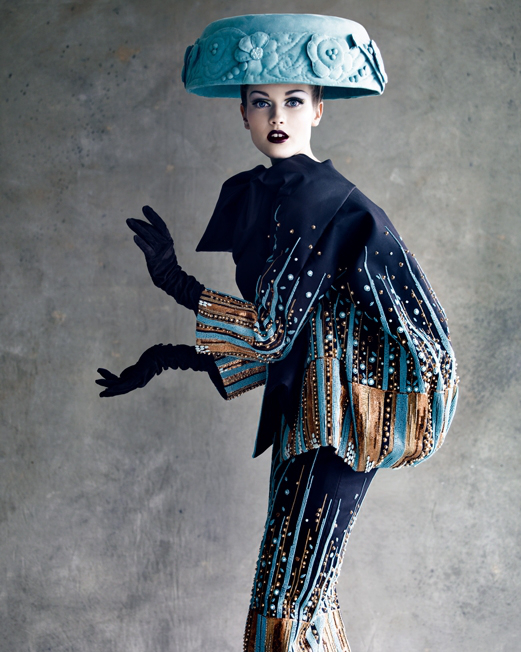 jac-jagaciak-in-christian-dior-haute-couture-ss-2008-shot-by-patrick-demarchelier-1339012179_b