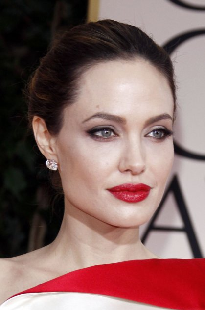angelina_jolie_red_lips_black