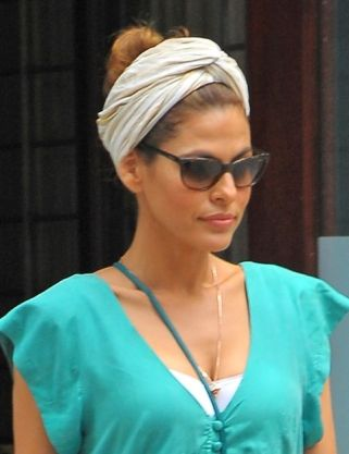 nrm_1407502498-eva-mendes-head-scarf