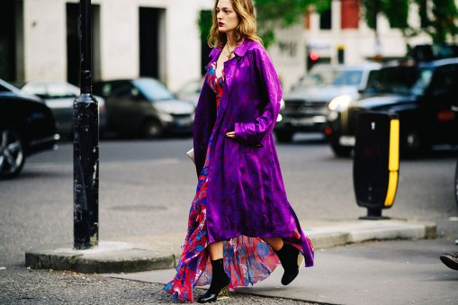 best-statement-coats-for-fall-sofia-sanchez-de-betak-purple-silk-paisley-coat-printed-dress-street-style-ankle-boots